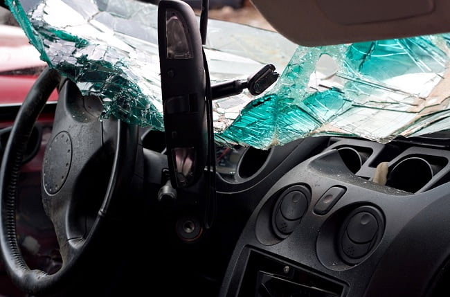 Why Driving With a Cracked Windshield Is Risky
