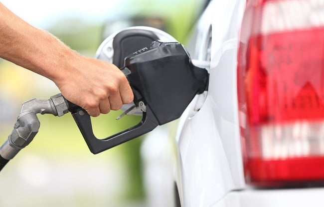 6 Eco-Friendly Driving Tips to Help You Save Fuel