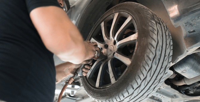 5 Signs That Indicate You Need to Replace the Tires of Your Car