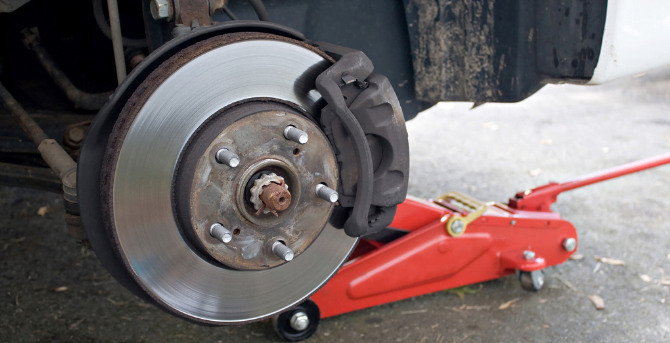 Power Brakes Vs. Anti-Lock Brakes