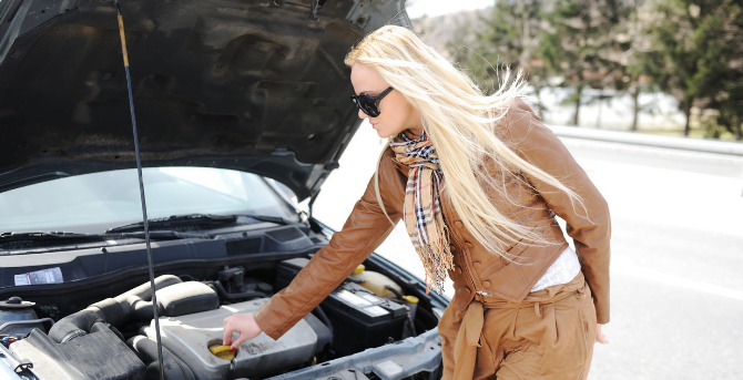 What You Should Do When Your Car Breaks Down on the Highway