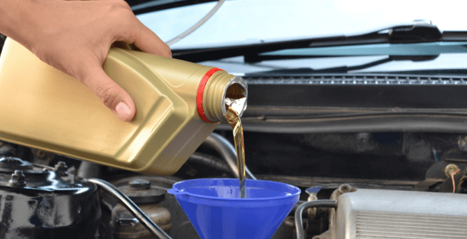 What Are the Signs of an Oil Leak in Your Car?